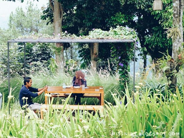 cafe instagramable di dago bandung