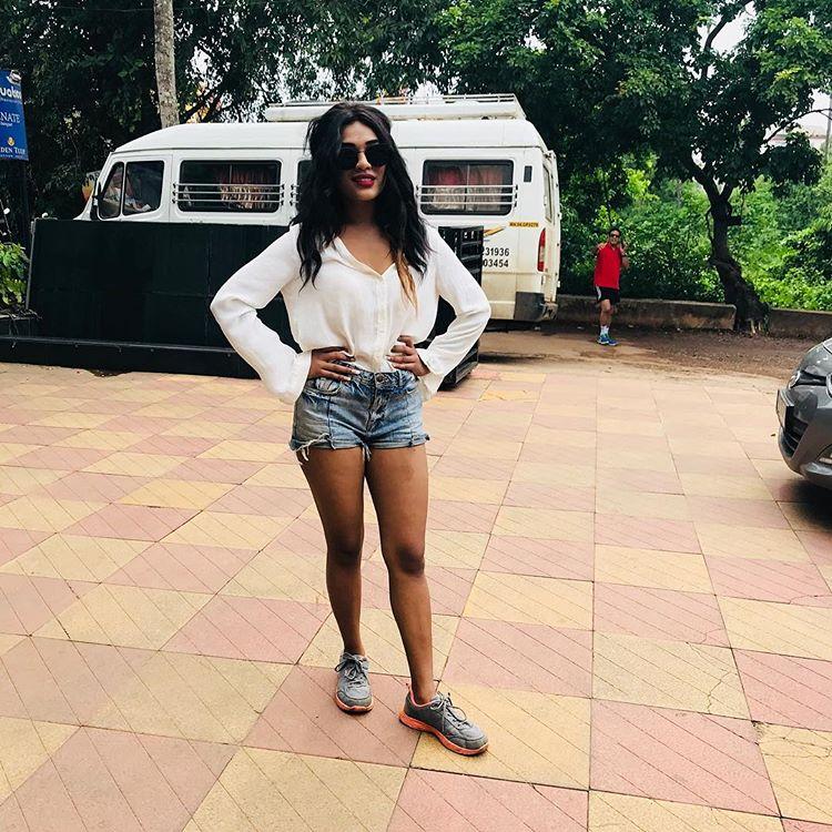 Hot and sexy heroin Actress Hritu Zee image