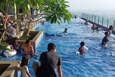 Kolam Renang Hotel Santika Palembang 1 Menit dari Jakabaring