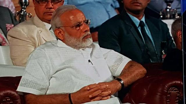 Narendra Modi with Sanjeev Juneja