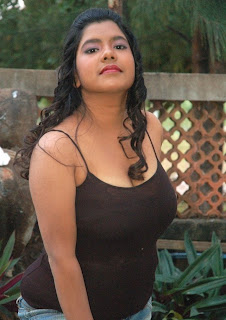 Erotic Chubby Actress In Movie