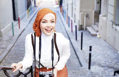 Pilihan Warna Jilbab yang Cocok untuk Kulit Sawo Matang