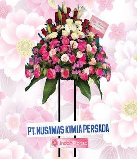 simbol arti rangkaian bunga duka cita