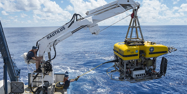 The remotely operated vehicle (ROV) Hercules is launched from E/V Nautilus. (Photo: Erin Ranney/Ocean Exploration Trust)