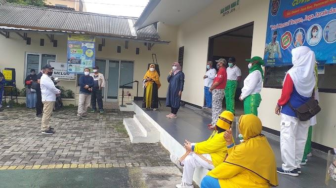 LPM Depok Jaya dan Komunitas Senam Dukung Idris-Imam