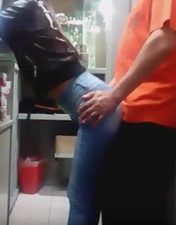 Compañera de trabajo mexicana cachando rico en la oficina (Video Porno)