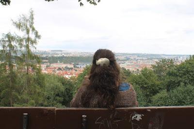 A lo alto del monte Petřín, con la ciudad de Praga a mis pies.