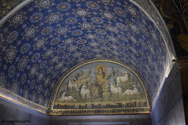 Cupola decorata a mosaico
