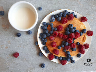 Zdjęcie: omlet z owocami
