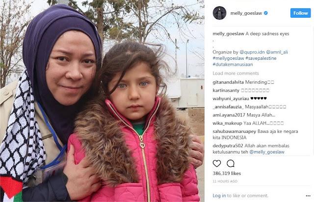 """Keharuan Melly Bertemu Anak-anak Palestina """"Andai ku bisa membawamu pulang"""""""