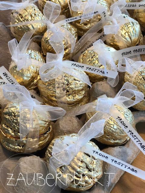 GOLD-Überraschungs-NUSS DIY, Tischdekoration, Blattgold, Minigeschenk, Weihnachtsmitbringsel, Tutorial, DIY, iamcreative.ch, Gold, Weihnachten, Advent, Nussschalen, Glück ist...,
