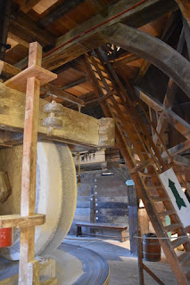 Grinding wheel and ladder, De kat, Zaanse Schans, Zaandam, the Netherlands