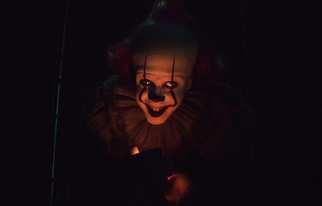 Vén màn bí ẩn nguồn gốc của gã hề ma quái trong 'It Chapter Two'