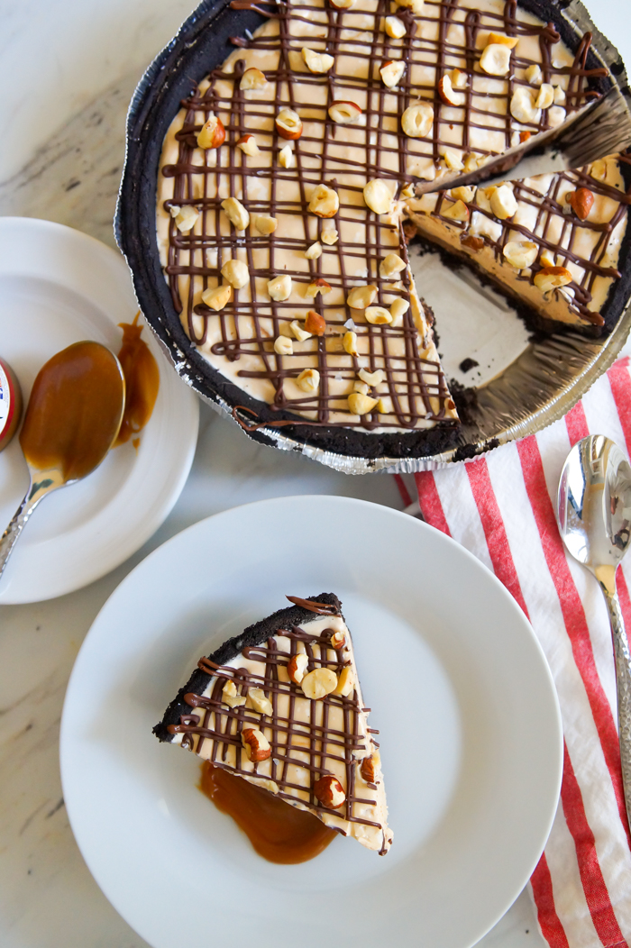 Chocolate Hazelnut Caramel Ice Cream Pie : the easiest, most delicious dessert you'll make all summer!