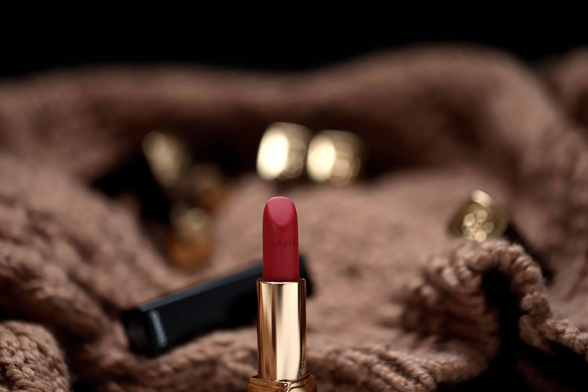Chanel Velvet Rouge Alure Lion 257 Rouge Triomphal