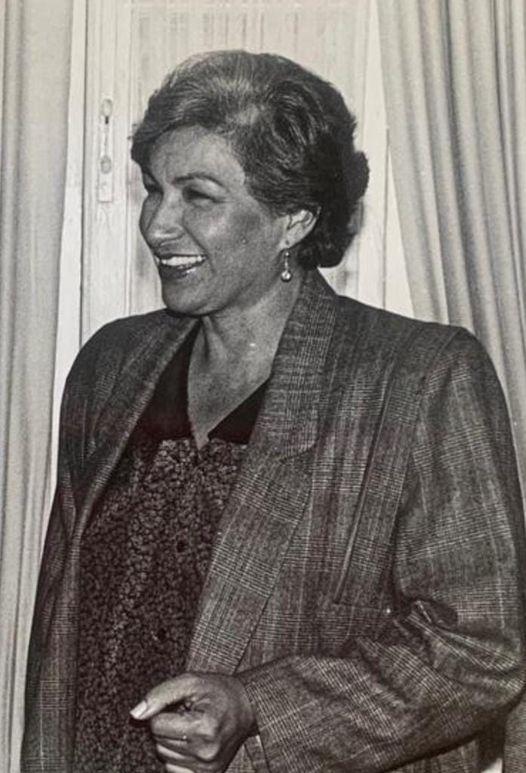 https://www.notasrosas.com/María Teresa Hinojosa Celedón: 'Una vida hecha Poema'