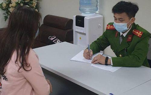 Nữ Giám đốc Hà Nội tặng quà Tết bằng pháo hoa nổ