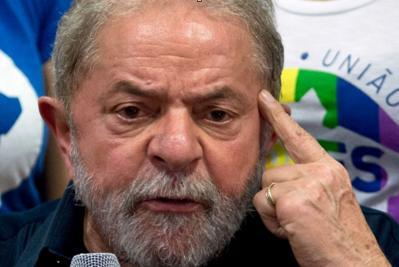 PESQUISA DATAFOLHA:  Lula venceria primeiro turno com 22% dos votos