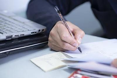 10 Peluang Pekerjaan untuk Seorang Penulis