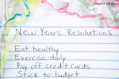 New years resolutions hand written on note cards