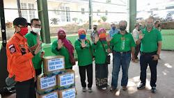 OSIS SMAN 1 Peduli Sesama,Serahkan Bantuan Kepada Masyarakat Terdampak Covid-19
