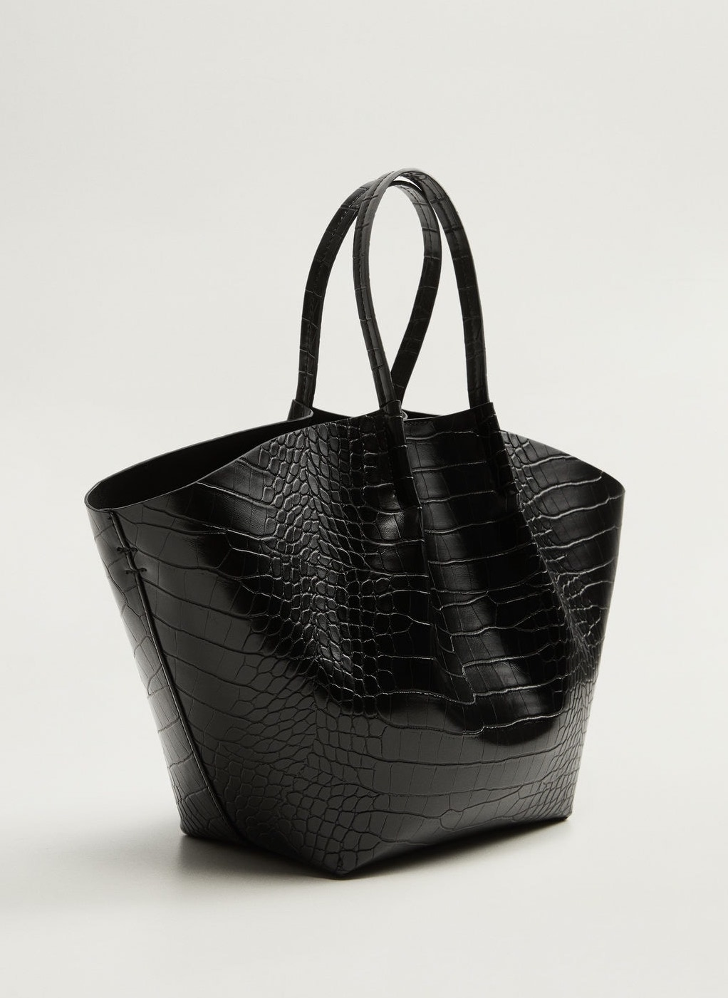 This Under-$100 Croc-Effect Tote Bag Is Incredibly Chic