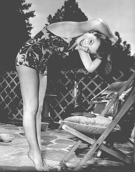 Black And White Retro Bikini Pictures In 1940s Amp 1950s