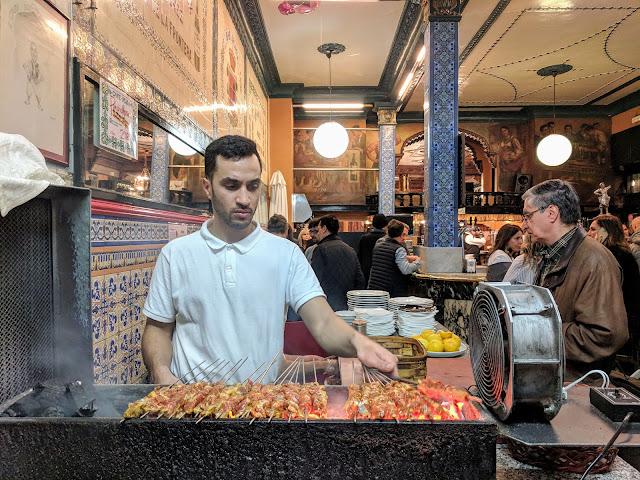 7 days in Bilbao: lamb kebabs at Cafe Iruña