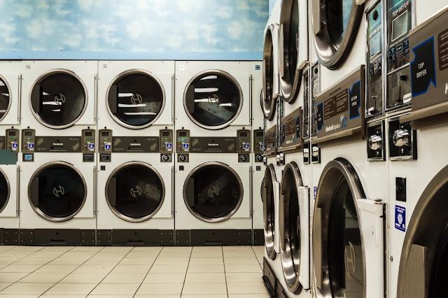 tumble dryers and washing machines Photo by Marshall Williams on Unsplash