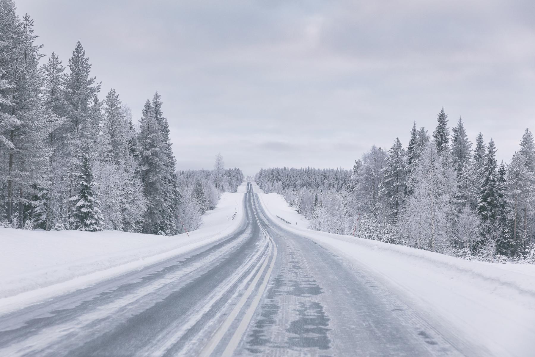 Rovaniemi, Visitfinland, Lapland, Lappi, visitlapland, loma, kotimaa, matkailu, kotimaan matkailu, matkustus, valokuvaaja, photographer, Frida Steiner, Visualaddictfrida, blogi, Visualaddict, tie, talvi, luonto