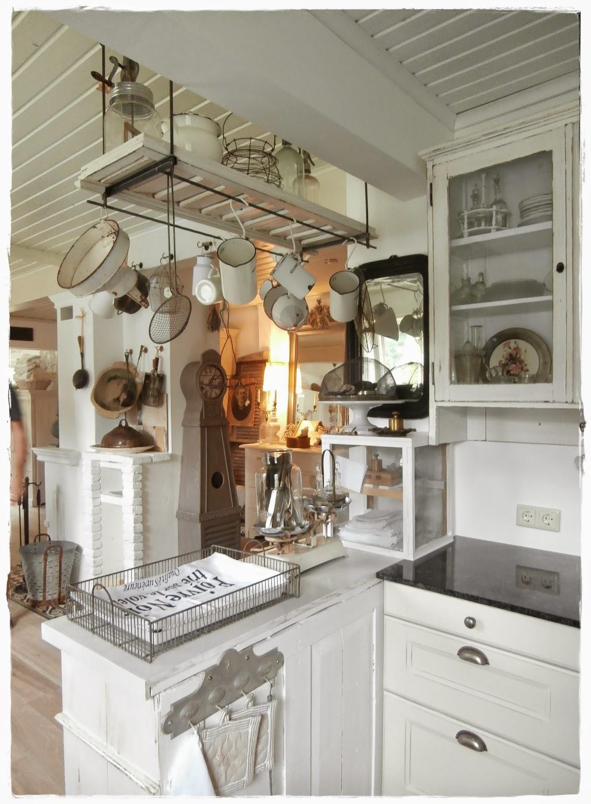 shabby landhaus traumhaus mit traumgarten. Black Bedroom Furniture Sets. Home Design Ideas