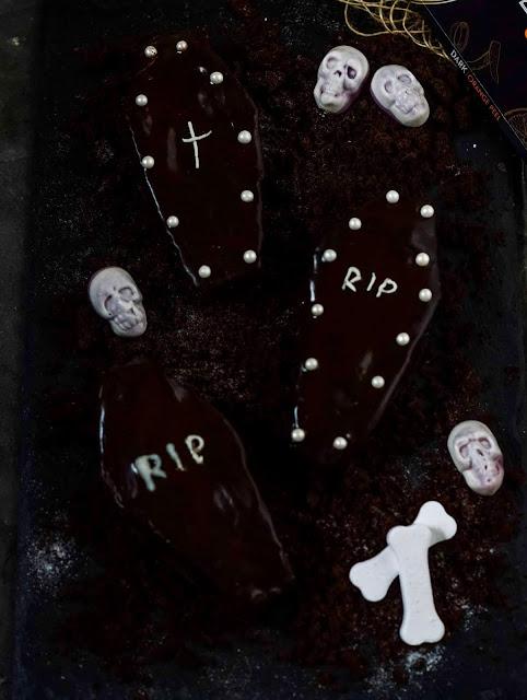halloween, trumny, czekolada, ciastka, brownie, deser, bernika., kulinarny pamietnik