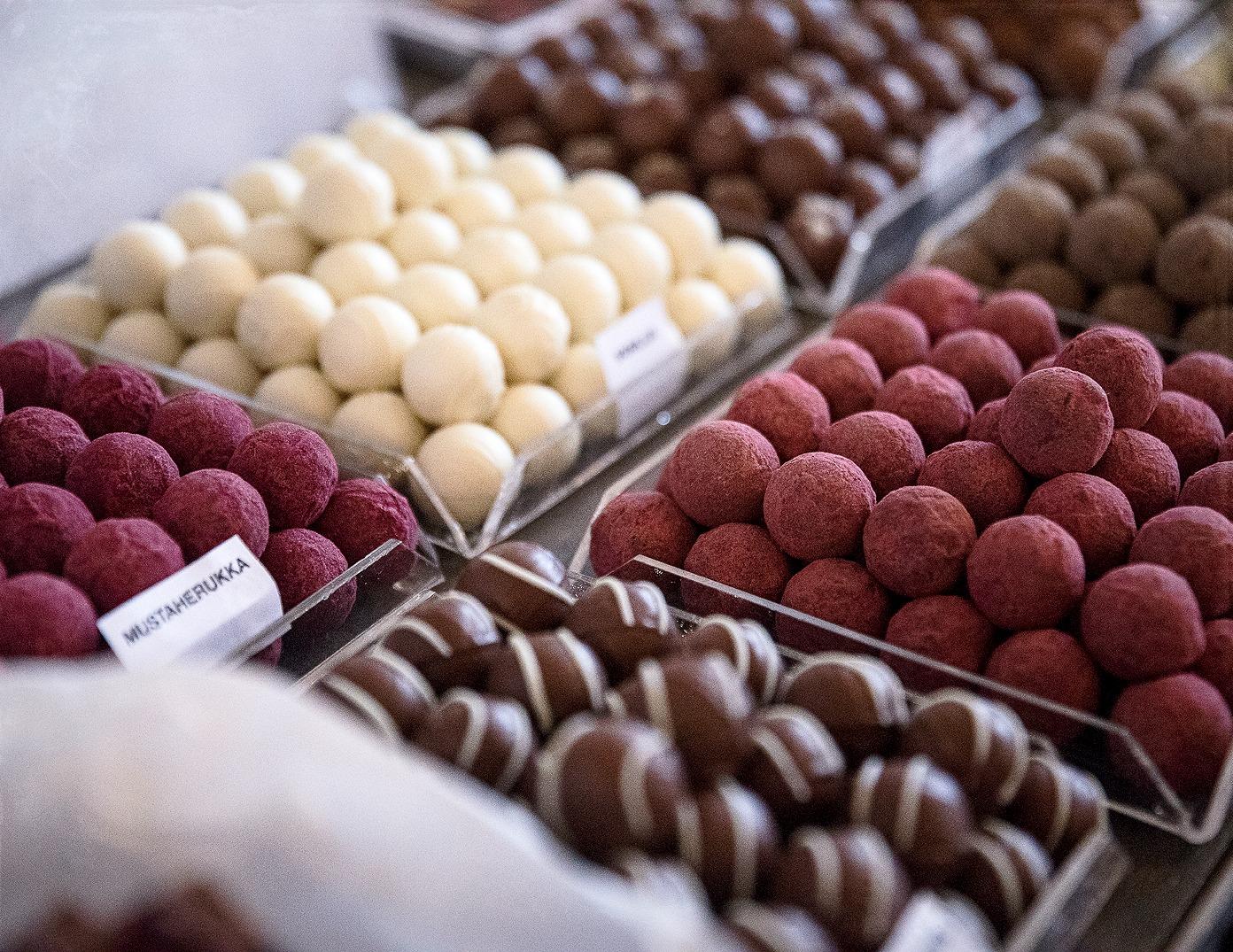 Parolan asema, joulumarkkinat, joulu, myyjäiset, markkinat, Visualaddict, Frida S Visuals, valokuvaaja Frida Steiner, suklaa, käsintehty suklaa, Petri´s Chocolateroom, suklaakonvehdit