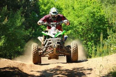 سلامة  مركبات ATV  الشباب