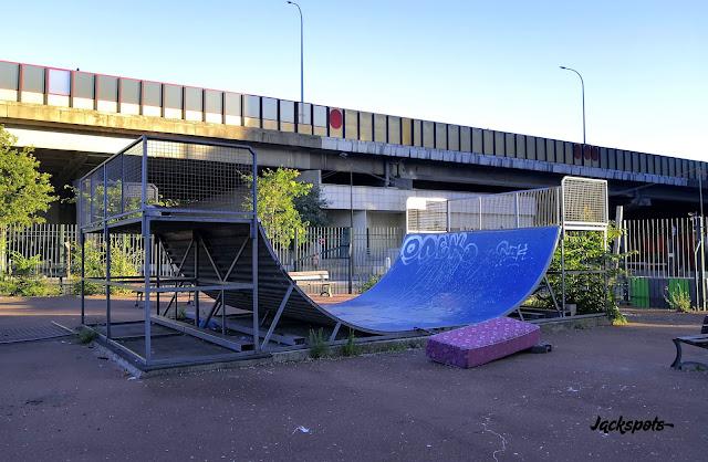 skate park clichy