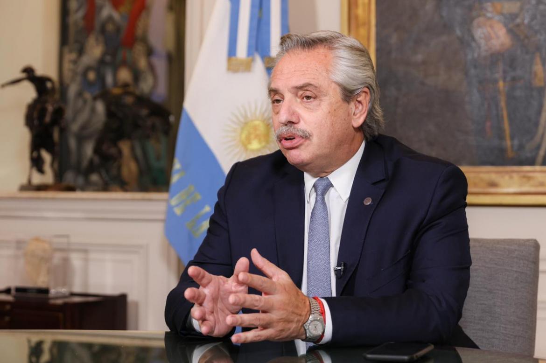 Alberto Fernández anunció un bono de 15 mil pesos para la AUH y otros planes pero no para jubilados