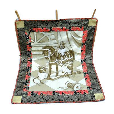 Новогодняя дорожка на стол - сувениры на Год Мыши. Ручная работа. натуральный хлопок. На обороте есть петли на подвешивания. Доставка почтой или курьером