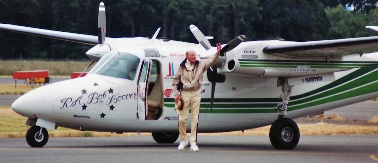 Muere Bob Hoover, una de las mayores leyendas de la aviación, a los 94 años