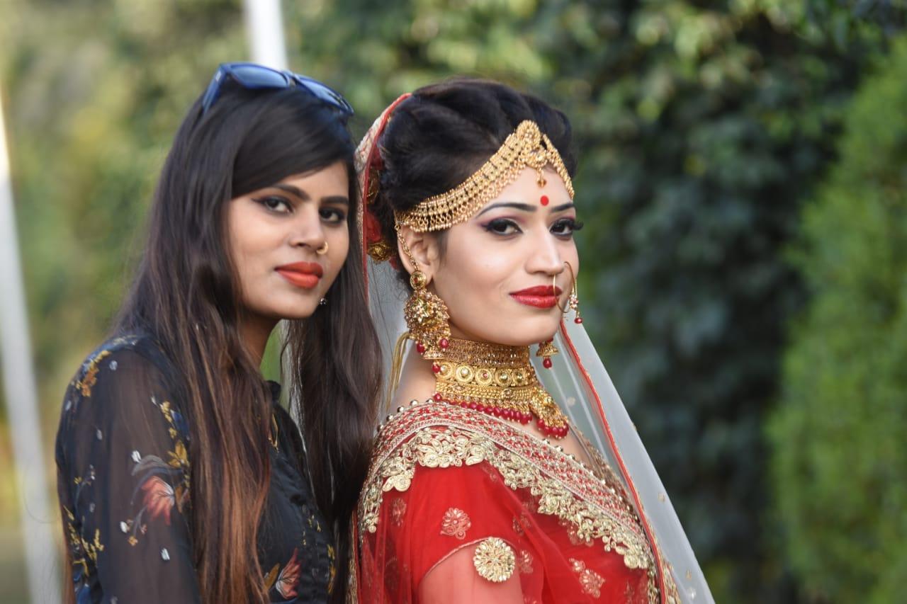 Makeup-artist-Lakshmi-Kankhediya-did-a-bridal-theme-photoshoot-given-beauty-tipsMakeup-artist-Lakshmi-Kankhediya-did-a-bridal-theme-photoshoot-given-beauty-tips