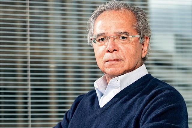 Ministro Paulo Guedes  considera normal desaceleração na geração de empregos.