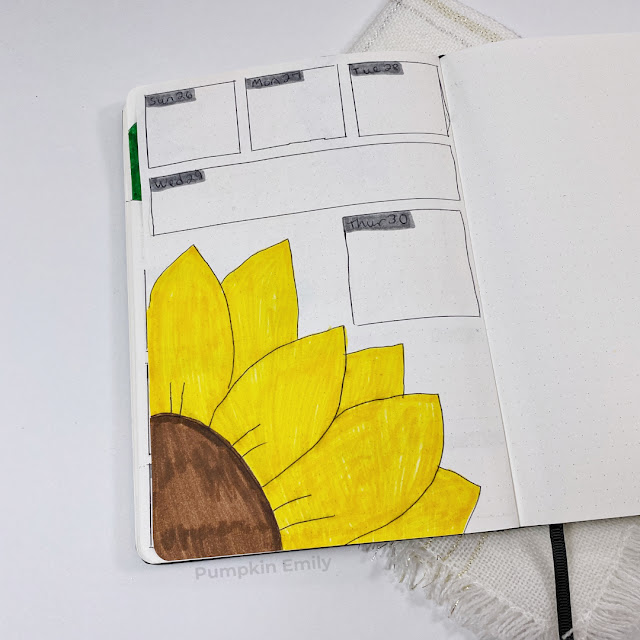 A simple sunflower September weekly spread.