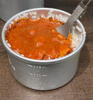 パイトーチ コッヘルでカレーライスを食べる