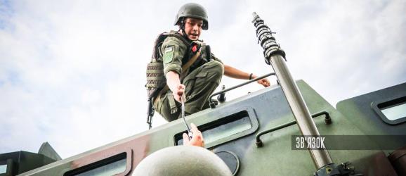 Нацгвардія використовує в ООС  командно-штабну машину Р-04К на базі «Козак-2»