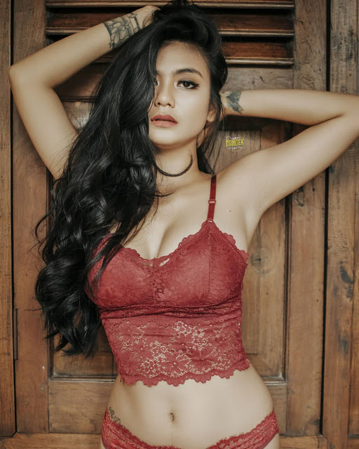 joice_alexandra_lingerie_red1