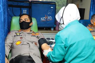 Kabaharkam Polri Donorkan Darah untuk Kebutuhan Pasien Covid-19