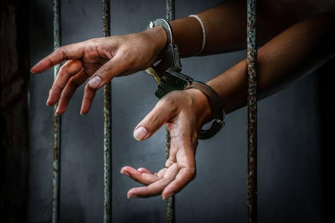 8 Aturan Aneh di Berbagai Negara Tapi Bisa Bikin Kamu Dipenjara
