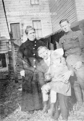 Unknowns in album of Helen Killeen Parker World War I era https://jollettetc.blogspot.com