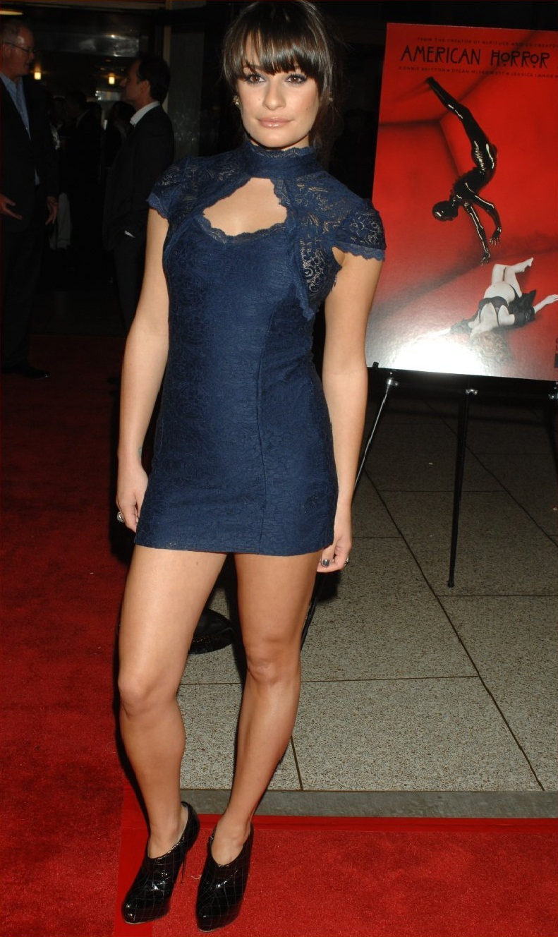 Hot Legs Lea Michele In Short Lace Dress