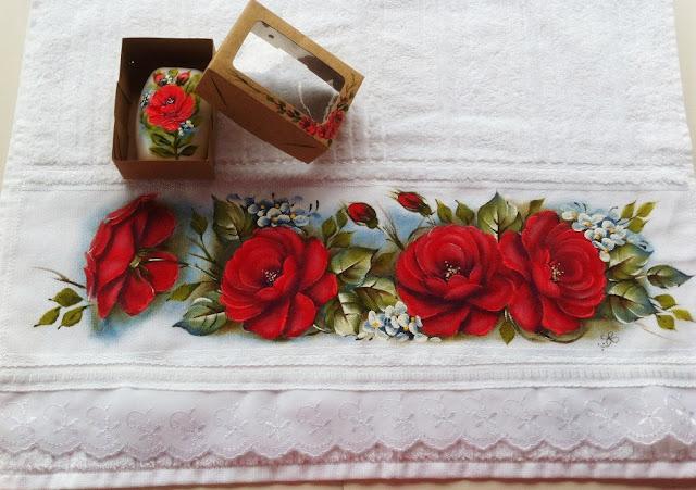 rosas vermelhas pintura em tecido
