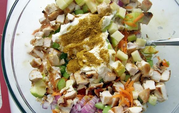 Ensalada De Pollo Con Curry Y Manzana